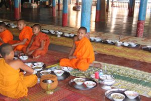 Buddhist school - lunch time