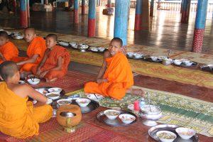 Buddhist school - lunch time