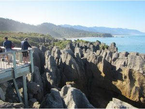 Pancake Rocks hike north of Rapahoe