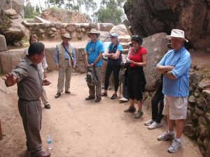 Cesar describing the stones at Qenqo